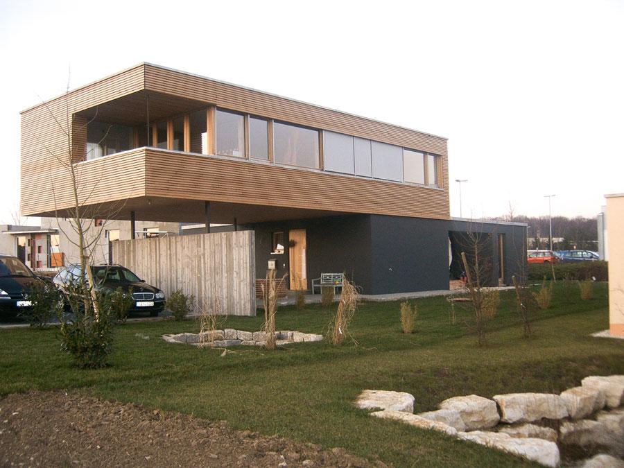 Kaufmann Bau: Haus mit Plattenfassade